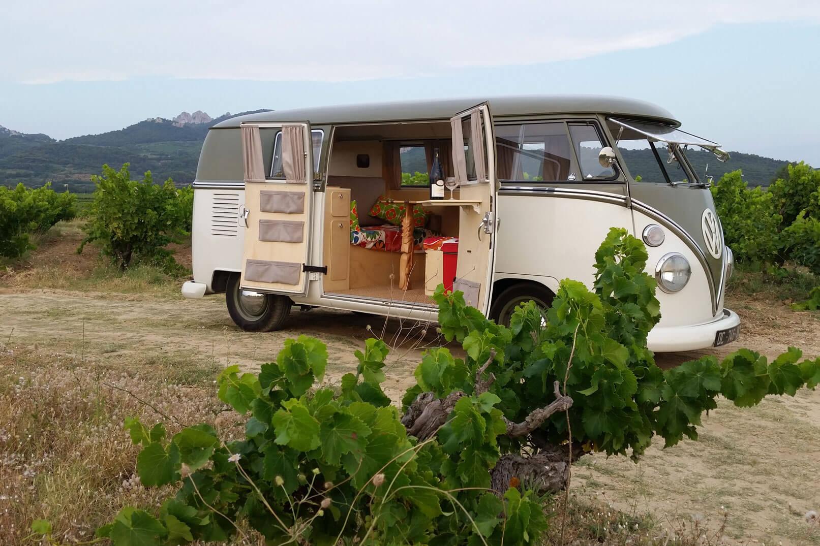 En las viñas de la Tourade